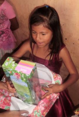 Estefanie speechless when she sees her new doll
